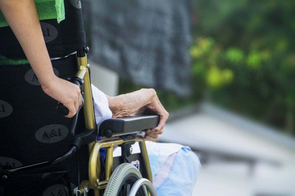 hospice-1750928_1920-e1500371972482